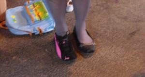 à qui sont ces pieds ?